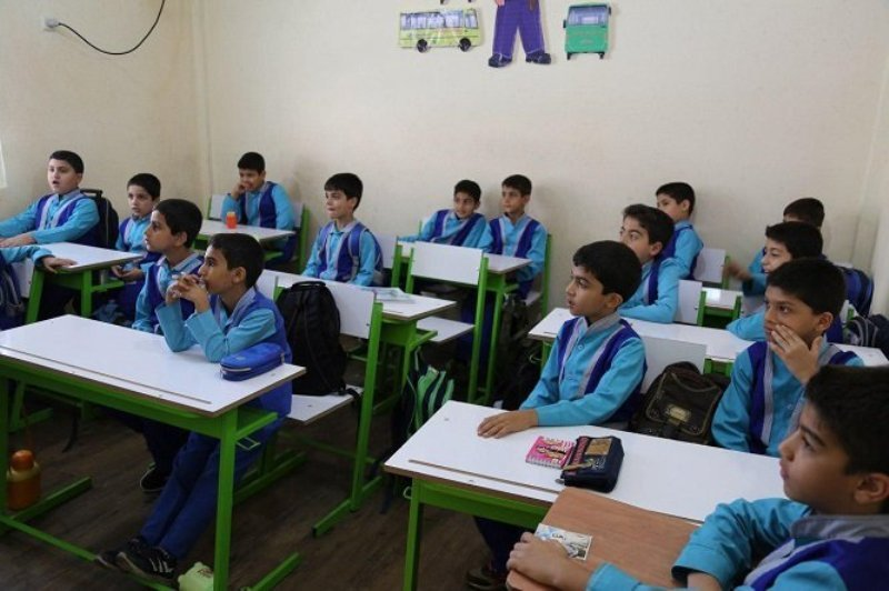 برگزاری شورای راهبردی مدرسه محوری در مهاباد
