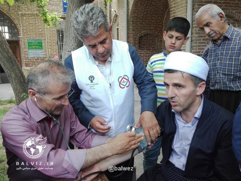 امام جمعه مهاباد در ایستگاه سنجش فشار خون