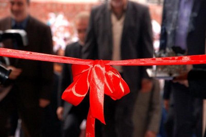 افتتاح و کلنگ زنی 40 طرح هفته دولت در مهاباد