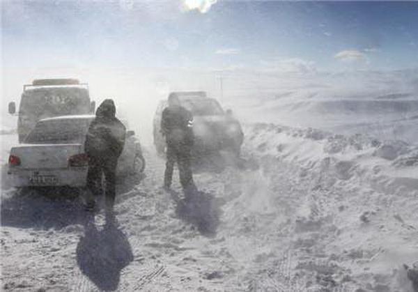بسته شدن مسیر مهاباد – بوکان بر اثر برف و کولاک