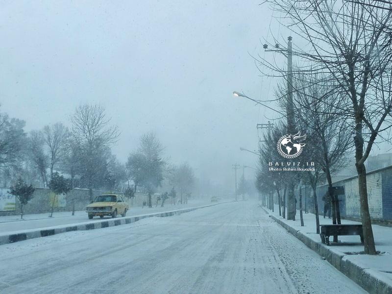 برف و کولاک مدارس مهاباد را تعطیل کرد