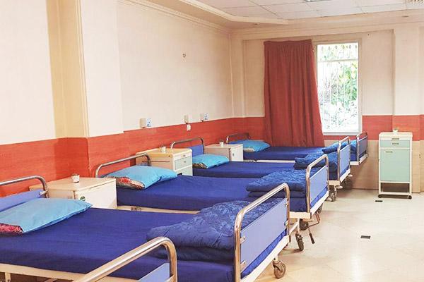 """بیمارستان """"موقت کرونا"""" در مهاباد راه اندازی می شود"""