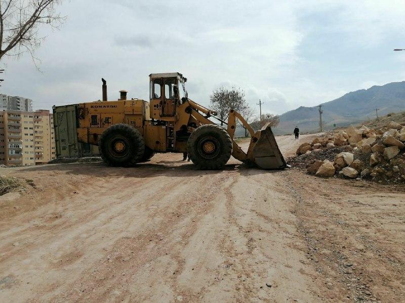 عکس / جاده های منتهی به خارج شهر در مهاباد بسته شد