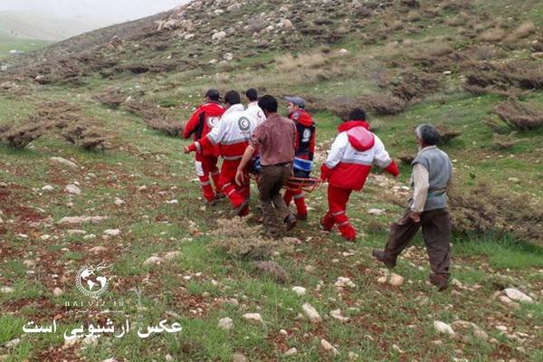 نوجوان مارگزیده در ارتفاعات پیرانشهرتوسط نیروهای امدادی از مرگ نجات یافت
