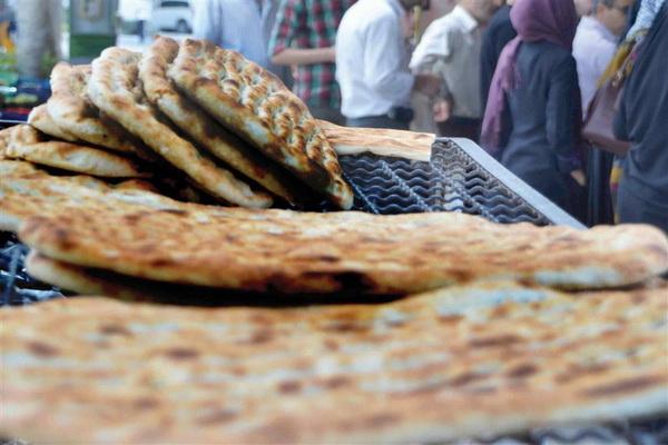 نانوایی هایی مهابادی که اقدام به کم فروشی و یا اینکه تخلف کنند برخورد می شود