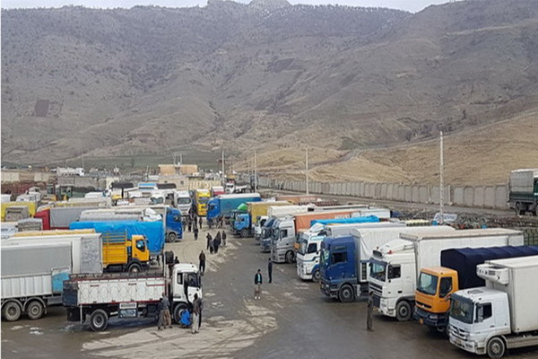بازارچه مرزی سیرانبد بانه از روز گذشته فعالیت خود را از سر گرفت