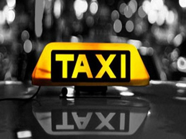 16 دستگاه تاکسی متخلف در مهاباد به دلیل رعایت نکردن ابلاغیه های صادرشده به پارکینگ منتقل شد