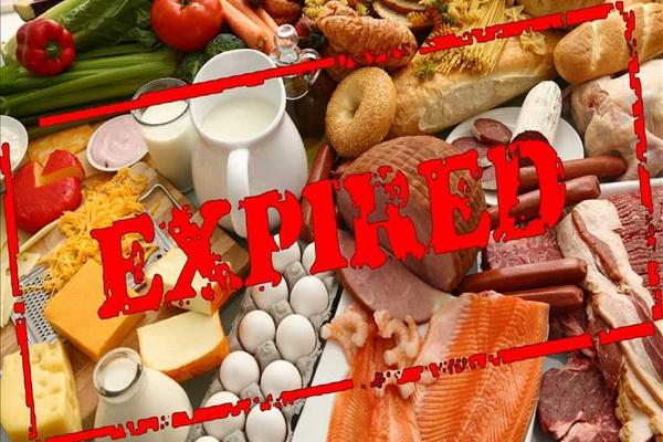 پانزده تن مواد غذایی تاریخ مصرف گذشته و فاسد در سردشت معدوم شد