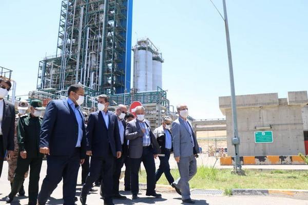 استاندار آذربایجان غربی از مجتمع پتروشیمی مهاباد بازدید کرد