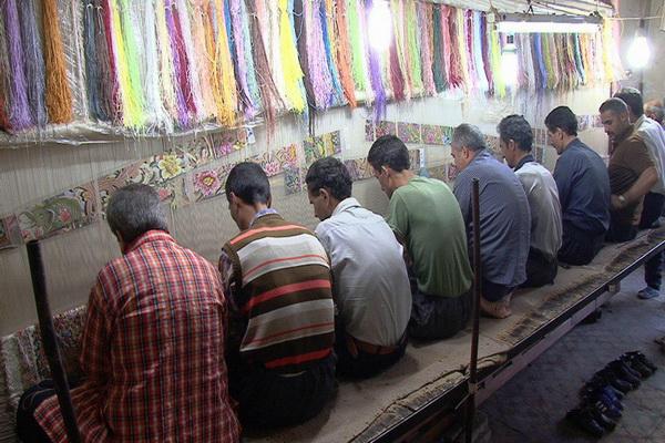 کاهش ده درصدی تولید فرش دستبافت در مهاباد به دلیل شیوع بیماری کرونا ویروس