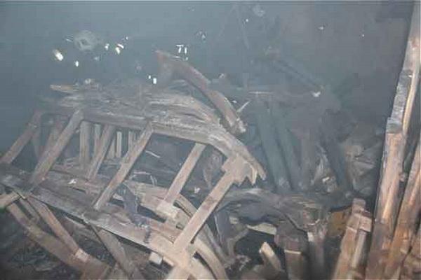 آتش سوزی چوب و ضایعات در کارخانه مبل سازی شهرک صنعتی مهاباد