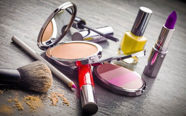 ۱۵۰قلم وسایل آرایشی و بهداشتی در شاهیندژ کشف شد
