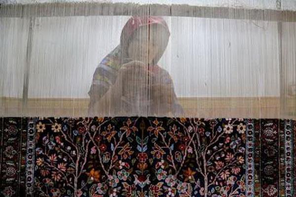 بیش از 600 مترمربع انواع فرش دستباف در مهاباد تولید شد