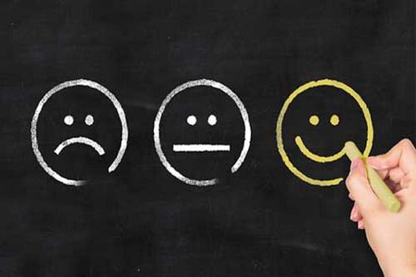 چگونه از شر افکار منفی رها شویم و به آرامش برسیم؟