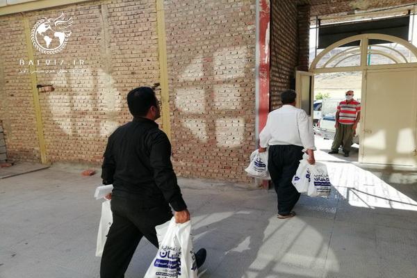 بیش از ۲هزار بسته سبد معیشتی توسط کانون مساجد مهاباد در بین نیازمندان توزیع شد