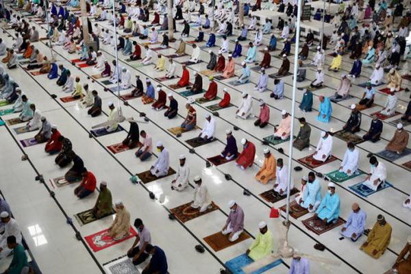 ممنوعیت اقامه نماز عید قربان در کشور های عربی