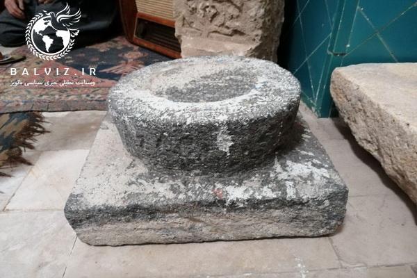 دو پایه ستون سنگی مسجد روستای برده رشان به موزه مردم شناسی مهاباد انتقال یافت