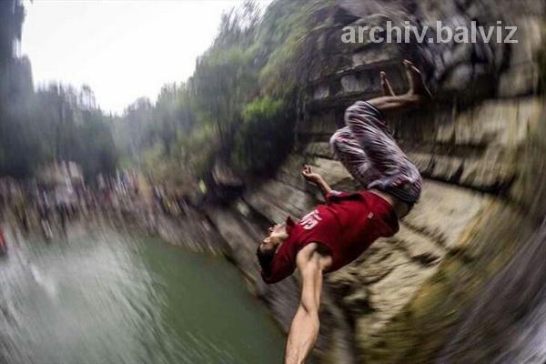 نجات گردشگر تهرانی از ارتفاعات آبشار شلماش سردشت