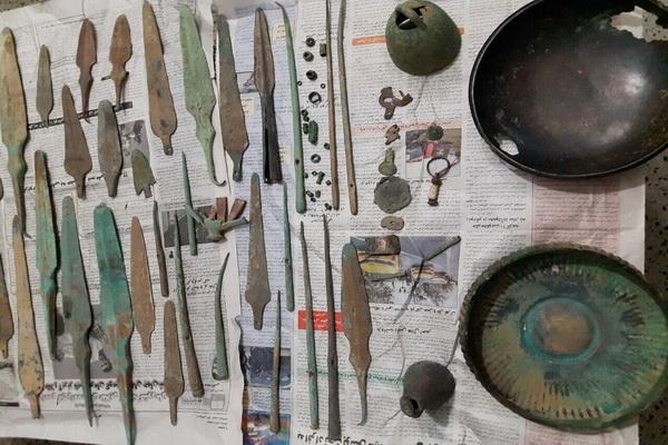 بیش از ۸۰ قطعه اشیای تاریخی در بوکان کشف شد