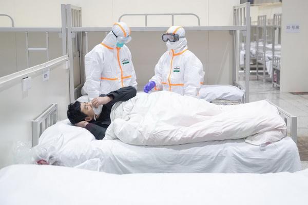 چرا بعضی از بیماران کرونا یی طی دوره بیماری مدام احساس خستگی میکنند؟