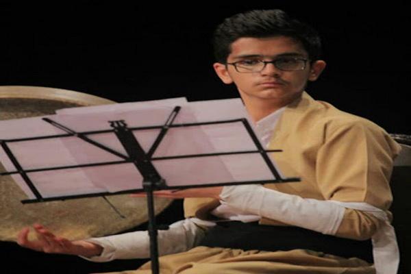 نوازنده جوان مهابادی رتبه اول کشوری را کسب کرد