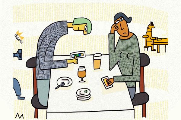 """فابینگ"""" چیست و چگونه روابط اجتماعی، شخصی و زناشویی ما را تهدید میکند؟"""