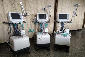 چهار دستگاه ونتیلاتوربه بیمارستان امام خمینی (ره) سردشت اهداءشد
