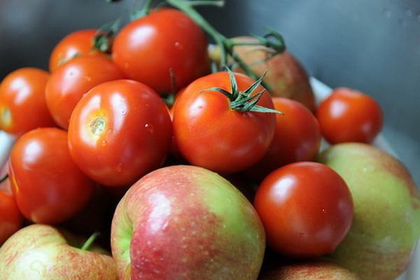 قیمت خرید محصولات حمایتی سیب صنعتی و گوجه فرنگی در کشور تعیین شد