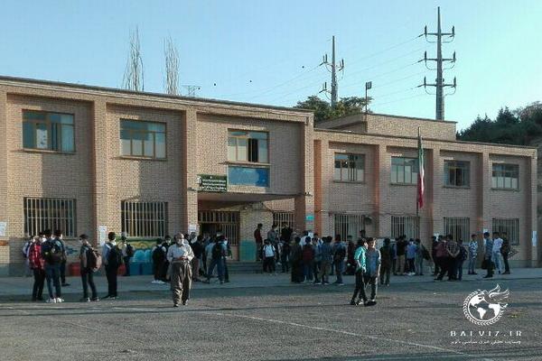 باز گشایی مدارس در مهاباد بوی مهر می دهد