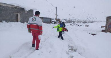 زن باردار سقزی توسط امدادگران هلال احمر به بیمارستان انتقال یافت