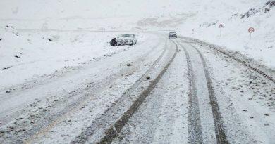 فیلم/بارش برف زمستانی در پاییز چهره طبیعت را در مهاباد دگرگون کرد