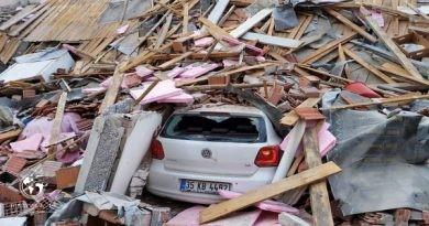 تصاویری از ویرانیهای زلزله در استان ازمیر ترکیه