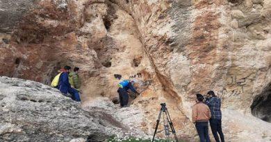 """دیوار نوشته های محوطه باستانی""""فخریگاه""""مهاباد پاکسازی شد"""