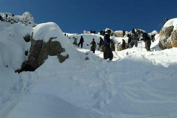 از گیر کردن انگشت دست یک کودک در درب سماور تا پیدا شدن جسد یک نفر در زیر برف در مهاباد 1