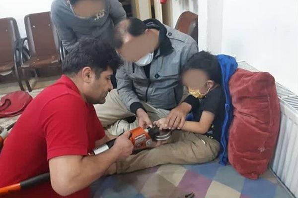 از گیر کردن انگشت دست یک کودک در درب سمار تا پیدا شدن جسد یک نفر در زیر برف در مهاباد