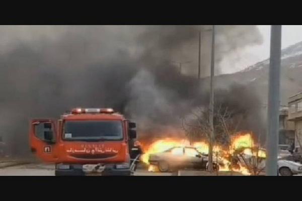 تصادف زنجیره ای در بانه موجب آتش گرفتن خودروها شد