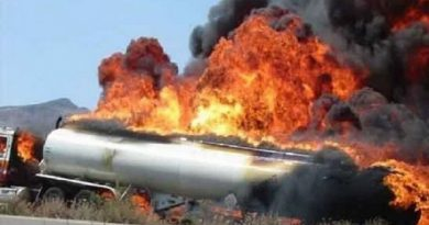 2 تانکر حامل سوخت در محور مهاباد- ارومیه در آتش سوختند