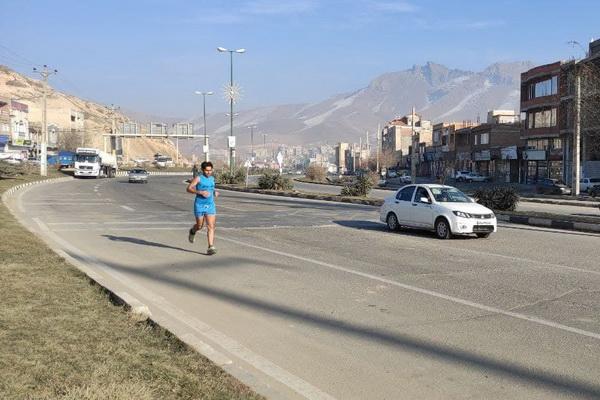 ورزشکار پیرانشهری مسافت پیرانشهر - مهاباد را به احترام استاد محمد ماملی دوید