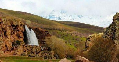 """آبشار """"قینرجه"""" تكاب در فهرست آثار طبیعی ایران به ثبت رسید"""