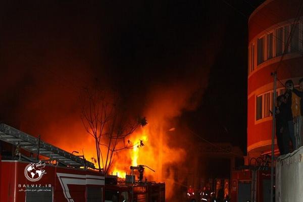 در حادثه آتش سوزی بازارچه مهاباد،4 نفر مجروح شدند
