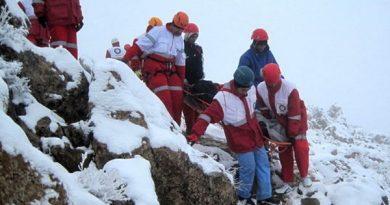کولبر حادثه دیده و گرفتار در ارتفاعات روستای شهرستان بانه نجات یافت