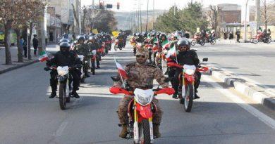 راهپیمایی موتوری و خودرویی یوم الله 22 بهمن در مهاباد برگزار شد