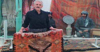 یک تخته گلیم 50 ساله به موزه مهاباد اهداء شد