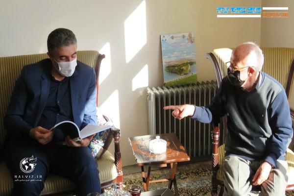 فرماندار مهاباد با دبیر بازنشسته و خوش نام مهابادی دیدار کرد