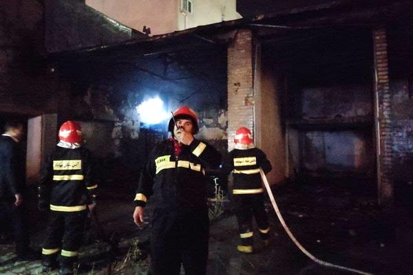 جزئیات آتش سوزی پارکینگ خیابان حافظ در مهاباد