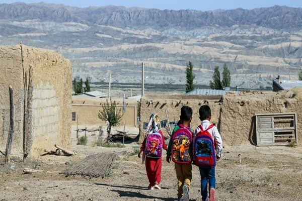 ۵ روستای مهاباد ۵ دانش آموز دارد