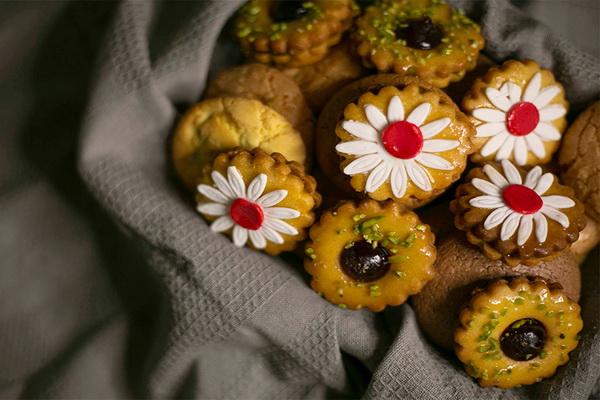 بیش از ۲ تن ضایعات مانده شیرینی پزی در مهاباد کشف شد
