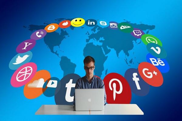 اشتغال بیش از ۱۴ درصد مردم در رسانههای اجتماعی