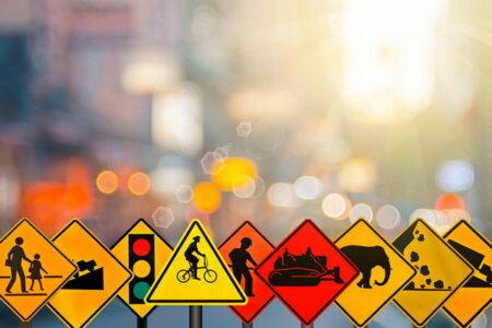 چرا تابلو و علائم راهنمایی و رانندگی در جاده ها اهمیت دارند؟